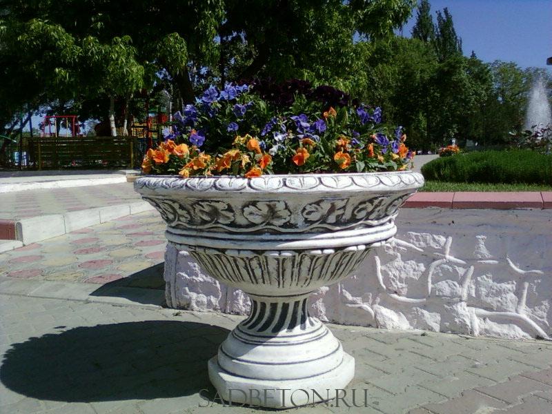 Цветочницу для уличных цветов